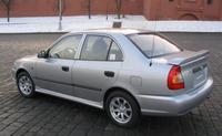 Накладки на пороги на Hyundai Accent