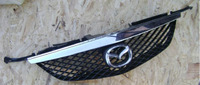 Решетка радиатора Mazda Premacy 1998-2000