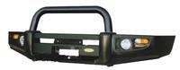 Силовой передний бампер с центральной черной дугой на ISUZU D-MAX 2003-05