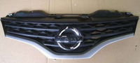 Решетка радиатора Nissan NV200 09-12