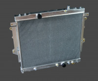 Радиатор алюминиевый Toyota Hilux / Vigo 215 2004-2009 40мм AT