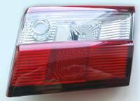 Вставка в крышку багажника (стопы) Toyota Carina 190 / Corona 190