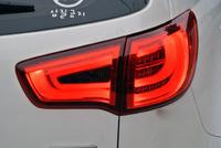Стопы (фары) «BMW Style» Kia Sportage 3 R (тонированные, красные)